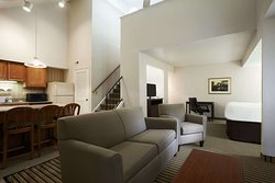 Hawthorn Suites by Wyndham Troy MI