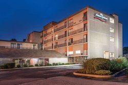 Howard Johnson Hotel by Wyndham Milford/New Haven
