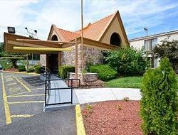 Howard Johnson by Wyndham Clifton NJ
