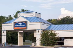 Howard Johnson by Wyndham Commerce GA