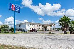 Motel 6 Weimar, TX