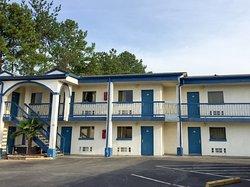 Motel 6 Calera, AL