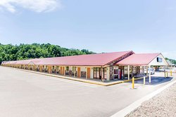 Travelodge by Wyndham Parkersburg