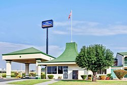 Howard Johnson by Wyndham McDonough GA