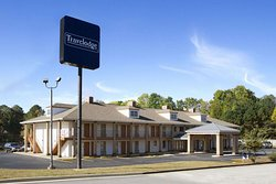 Travelodge by Wyndham Covington