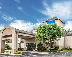 Baymont Inn and Suites by Wyndham Mukwonago