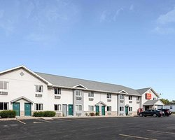 Econo Lodge Inn & Suites Canandaigua