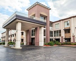 Quality Inn Milwaukee West Brookfield