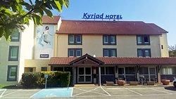 基里亚德里昂东圣博内姆尔酒店