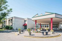 Ramada by Wyndham Grand Forks