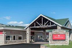 Ramada by Wyndham Stony Plain Hotel & Suites