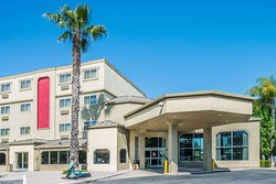 Ramada by Wyndham West Sacramento Hotel and Suites