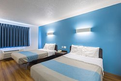Motel 6 Rothschild