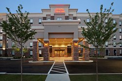 Hampton Inn & Suites Roanoke Airport