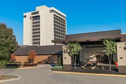 Ramada Plaza by Wyndham Cincinnati Sharonville