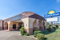Days Inn by Wyndham Mt. Pleasant