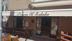 Pizzeria Scotadeo Di Pugiotto Tania