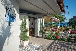 Mali Guest House & Terrace Bar