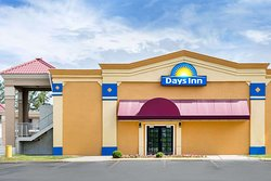 Days Inn by Wyndham Greensboro Airport