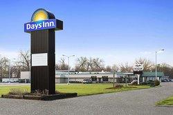 Days Inn by Wyndham Rock Falls