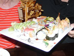 MUSIC BOX WITH SUSHI ROLLS DANCING DRAGON, FIRE CRACKER, SPIDER ROLL