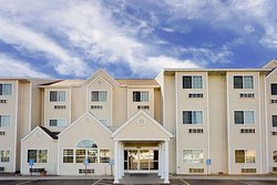 Microtel Inn & Suites by Wyndham Prairie du Chien
