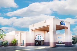 Days Inn & Suites by Wyndham Lordsburg