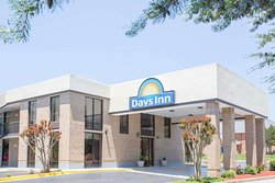 Days Inn by Wyndham Easley West of Greenville/Clemson Area