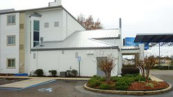 Motel 6 Jackson Airport- Pearl