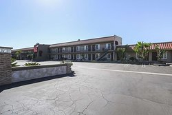 Econo Lodge Inn & Suites Escondido Downtown