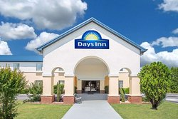 Days Inn by Wyndham Lincoln