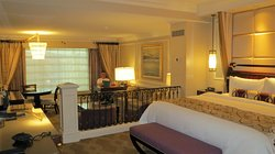 Het slaap en woongedeelte van de suite