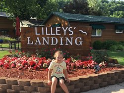 Entrance at Lilleys' Landing