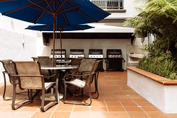 BBQ and Courtyard