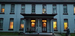 Fort Totten Trail Historic Inn