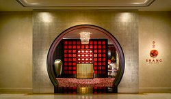 Shang Palace Entrance