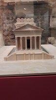 Replica do Templo Romano, do Museu Nacional de évora. (326957758)