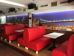New York Clubbin I Cocktail Lounge