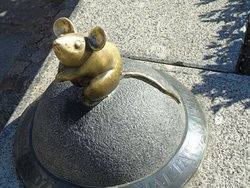 Sculpture Golden Mouse