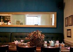 Amaryllis Cafe