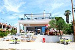 AMO Beach Bar-Restaurant