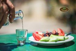 Platanos - Traditional Restaurant & Cafe
