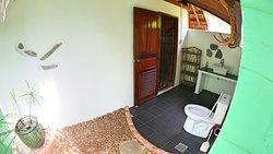 Beachfrontvilla Bathroom