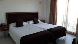 Ottimo apparthotel in zona tranquilla con spettacolare vista su porto turistico