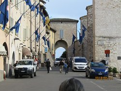Arco di Via Santa Chiara