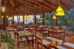 El Oasis Bar & Restaurant