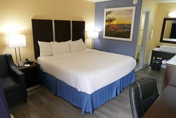 Days Inn by Wyndham Muscle Shoals