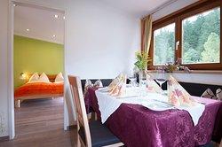 Gasthof zur Post, restaurant - rooms - appartements