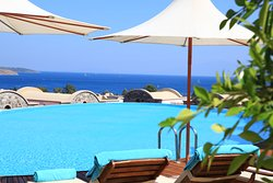 Temenos Luxury Suites Hotel & Spa