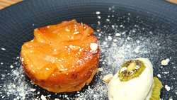 Caramelised pineapple tarte tatin